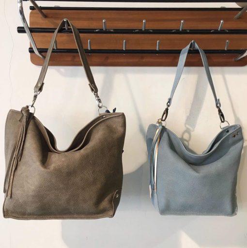 guusje,small, handgemaakte tas, studs, schoudertas, leer, sak , sakkie,