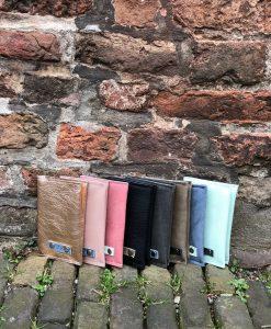 paspoortcover, leer, sakkie , sak , passport , paspoort, gele boekje, vaccinatieboekje, wanderlust, travel , world leer, leather cover